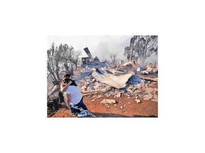 Unas 200 casas afectadas por gran incendio en Chile