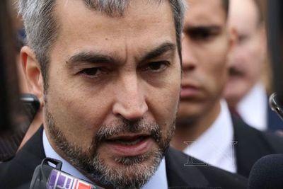 Abdo respalda a Felippo y pide respeto a su decisión