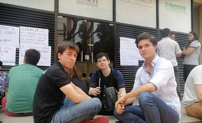 HOY / Científicos y universitarios en contra de Felippo: crece la decepción por no llenar perfil