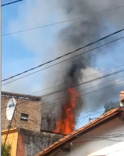 Incendio en barrio 'Kambala'