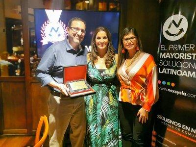 Grupo OLAM recibe premiación por ser número 1 en ventas de Microsoft Azure en Paraguay