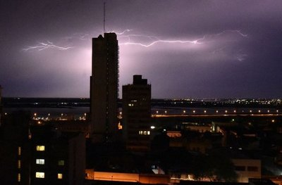 Alerta meteorológica para 6 departamentos de la Región Oriental