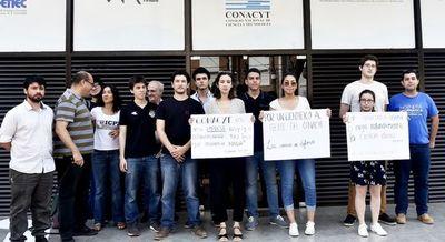 Estudiantes exigen salida de Felippo del Conacyt