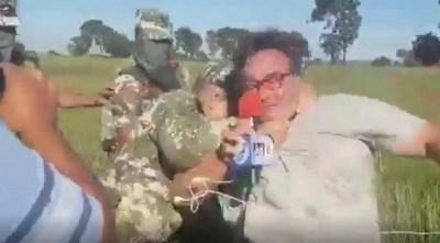 """Periodista agredido: """"Nos salvamos porque nos dijeron que nos iban a disparar"""""""