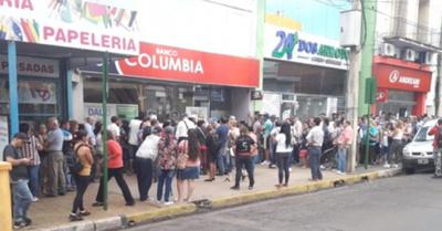 Paraguayos compran a full en Posadas