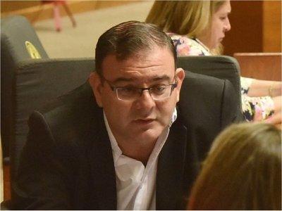 Juez ordena  detención del diputado Rivas por informe de médico forense