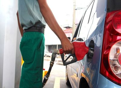 Decreto de Abdo causará suba de combustibles, advierten
