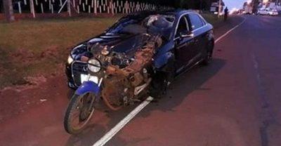Motociclista fallece tras ser embestido en Colonias Unidas