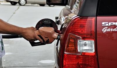 Modificación de impuestos generará aumento en combustibles, anuncian