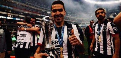 Celso Ortiz se consagra campeón en México