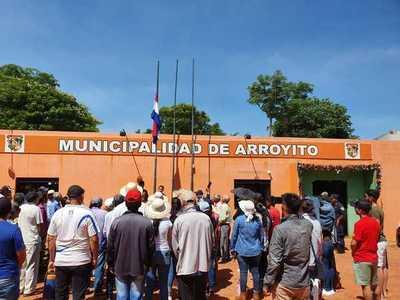 En Arroyito urgen imputación de intendente con una movilización