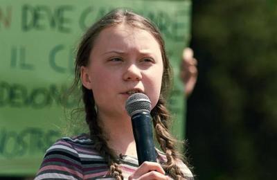 El padre de Greta Thunberg revela que la lucha climática sacó a su hija de la depresión