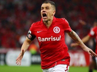 El argentino D'Alessandro renueva con Internacional hasta diciembre de 2020