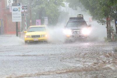 Alerta por diluvio: último día del año se despide con fuertes lluvias