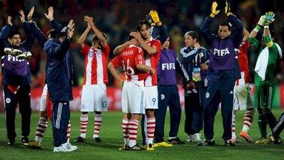 Dejó el fútbol el 'verdugo' paraguayo en Sudáfrica 2010