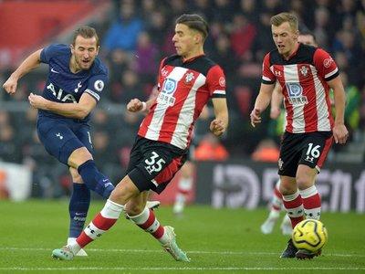 El Tottenham de Mourinho pierde y Kane se lesiona