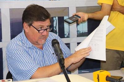Llano dice que no puede convocar a Cartes y Nicanor si alguien no lo pide