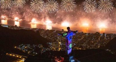 Río recibe el 2020 con nuevo récord de asistencia en su fiesta de fin de año