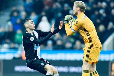 Leicester golea en su casa al Newcastle de Miguel Almirón