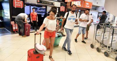 Fracasa  intento de desalojo a tres locatarios del aeropuerto