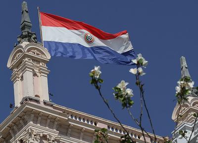 La Bandera paraguaya cumple 177 años como símbolo patrio