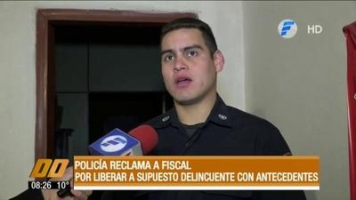 Liberación de joven con antecedente genera cruce entre policía y fiscal