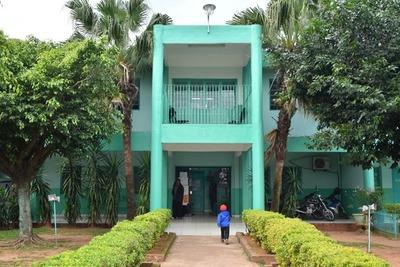 Policlínico de Villarrica cerró varias áreas por falta de pago al personal
