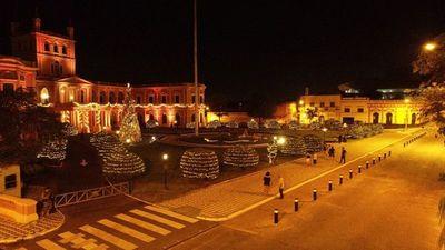 Palacio de Gobierno: Iluminan adoquines usando energía solar