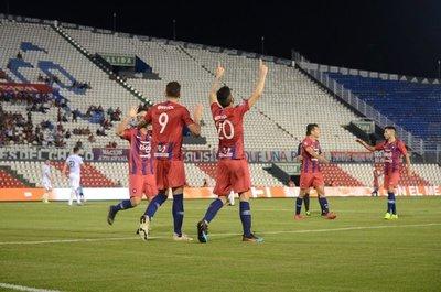 Cerro Porteño arrasa con Sol y es único escolta del Apertura