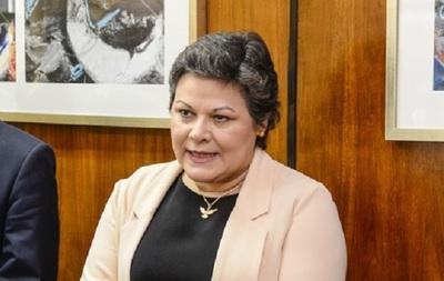 """Celia Cañete: """"Prácticamente nací en un consulado"""""""