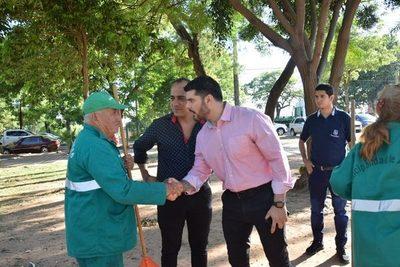 Municipalidad de Asunción plantea enrejar la Plaza de Armas