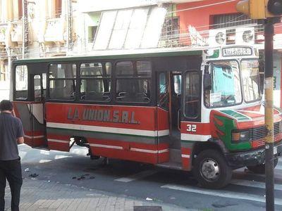 Buses chatarras siguen apeligrando impunemente a ciudadanos en Asunción