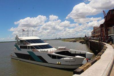 """""""Ferry del Chaco"""" realizará su primer viaje desde Villa Hayes a Asunción"""
