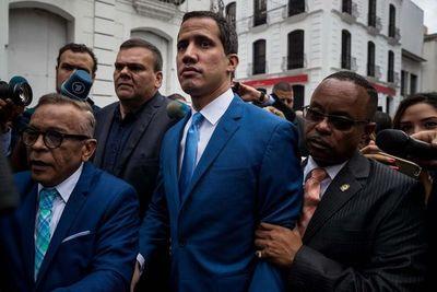 """EE.UU. tilda de """"farsa"""" el voto en el Parlamento venezolano y respalda a Guaidó"""
