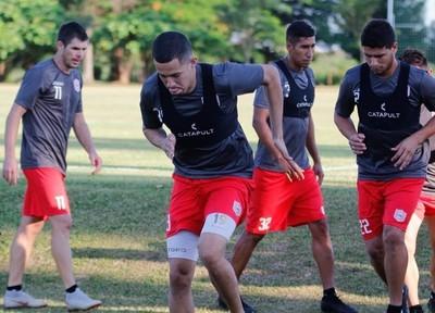 Olimpia adquiere a dos jugadores y los cede a San Lorenzo