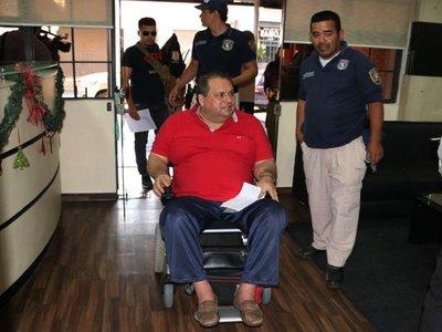 Juez ordena prisión en Tacumbú de  concejal Adaro  y otros   3 imputados