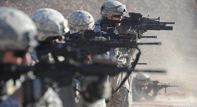 Trump dice que EEUU no saldrá de Irak y amenaza con sanciones