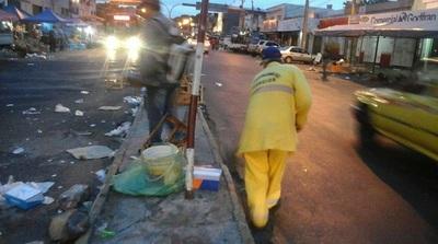 Recogen 120.000 kilos de basura en el Mercado 4, tras el paso de los reyes