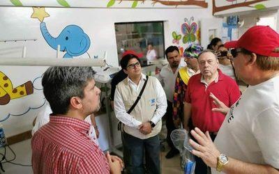 Llevan regalos a Hospitales de Alto Paraná