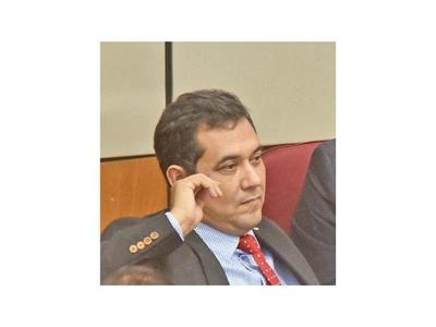 Senador no cree que HC sea miope y reavive el juicio