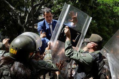 Guaidó y Parra se enfrentan hoy, cada uno como jefe del Parlamento
