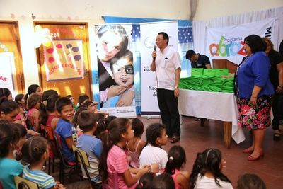 Reyes estuvieron en Clínicas y en Centro Comunitario de Villa Elisa