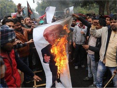 Parlamento iraní califica al Ejército de EEUU como fuerza terrorista