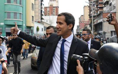 Guaidó se juramenta como presidente del Parlamento venezolano
