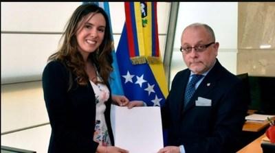 Gobierno argentino retira cartas credenciales a embajadora de Juan Guaidó