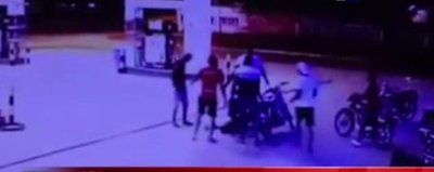 Joven muere apuñalado en una estación de servicio
