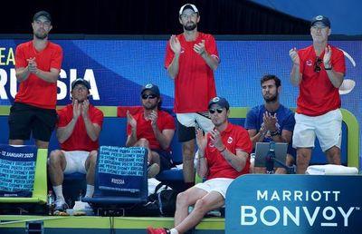 Rusia y Gran Bretaña clasifican a cuartos de final en Australia