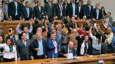 Guaidó recupera presidencia de la Asamblea