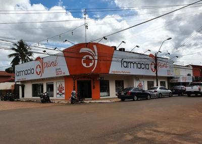 "Denuncian a la farmacia ""Ypané"" por vender medicamentos vencidos"