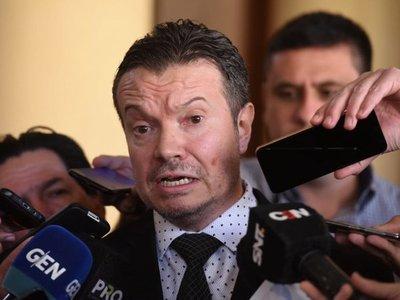 Fiscalía puede investigar a PMAS y Avanza País, dice Arregui
